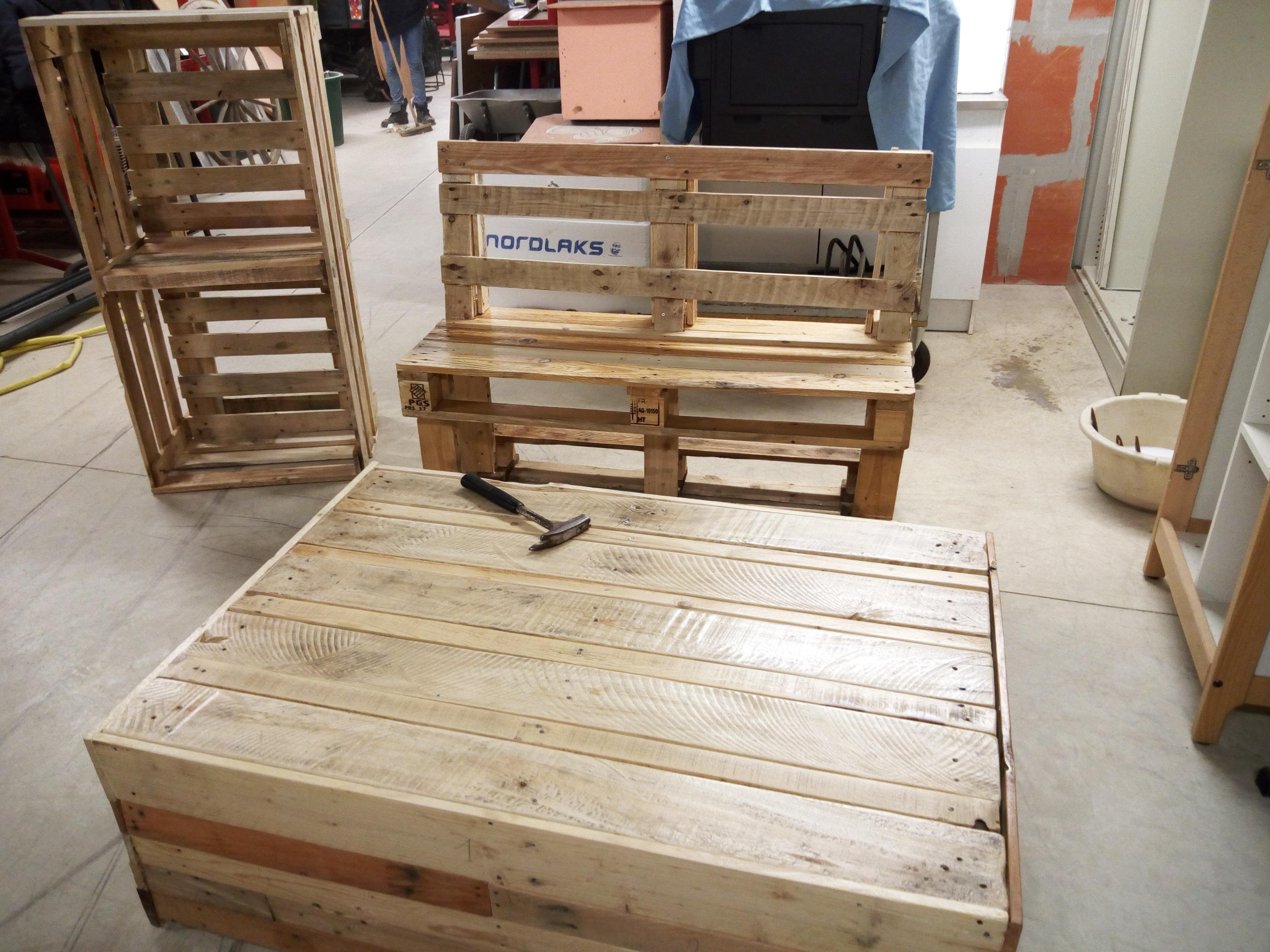 Projet DAQ - salon de jardin en matériel de récupération